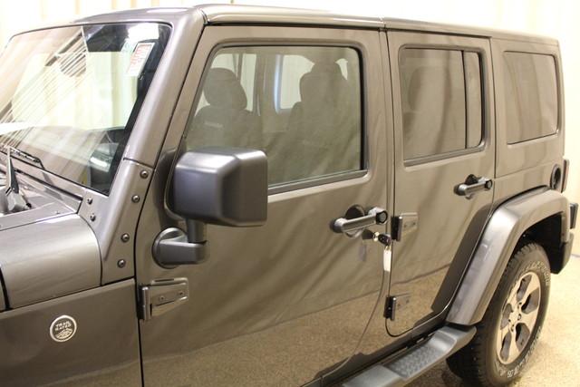 2016 Jeep Wrangler Unlimited Sahara Roscoe, Illinois 12