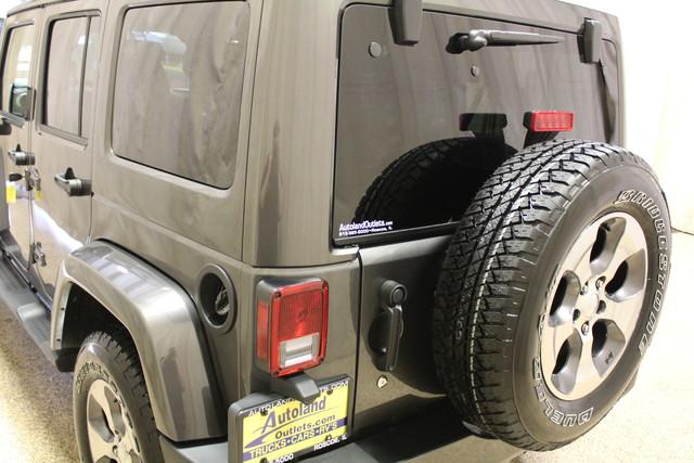 2016 Jeep Wrangler Unlimited Sahara Roscoe, Illinois 9