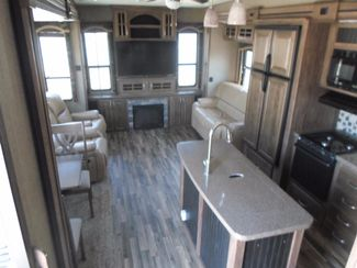 2016 Keystone Avalanche 300RL Salem, Oregon 4