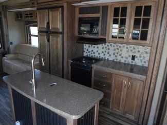 2016 Keystone Avalanche 300RL Salem, Oregon 5