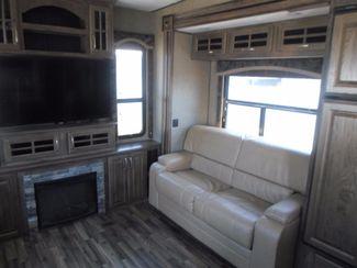 2016 Keystone Avalanche 300RL Salem, Oregon 7