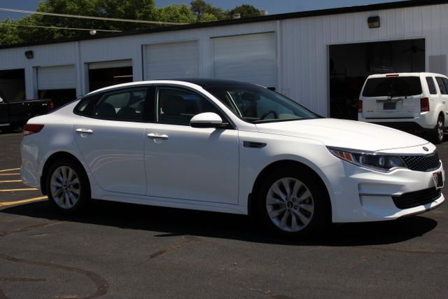 2016 Kia Optima EX - Carfax One Owner Mooresville , NC 8