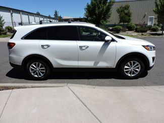 2016 Kia Sorento LX AWD V6. 3rd Row Bend, Oregon 3