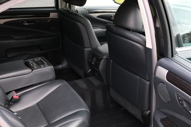 2016 Lexus LS 460 L AWD Mooresville, North Carolina 32