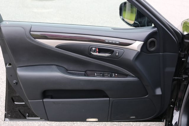 2016 Lexus LS 460 L AWD Mooresville, North Carolina 101