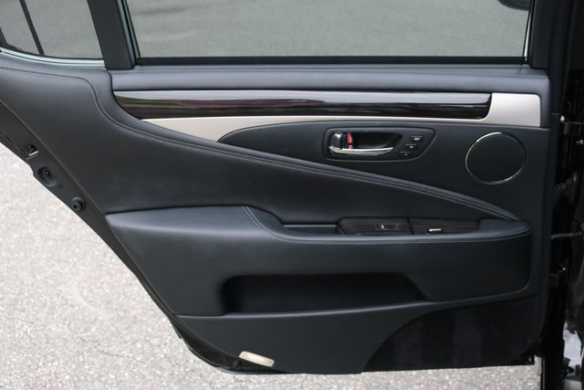 2016 Lexus LS 460 L AWD Mooresville, North Carolina 102