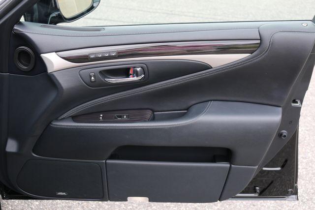2016 Lexus LS 460 L AWD Mooresville, North Carolina 104