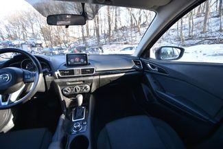 2016 Mazda Mazda3 i Sport Naugatuck, Connecticut 13