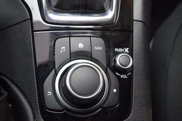 2016 Mazda Mazda3 i Sport Richmond Hill, New York 20