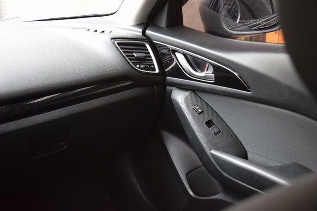 2016 Mazda Mazda3 i Sport Richmond Hill, New York 9