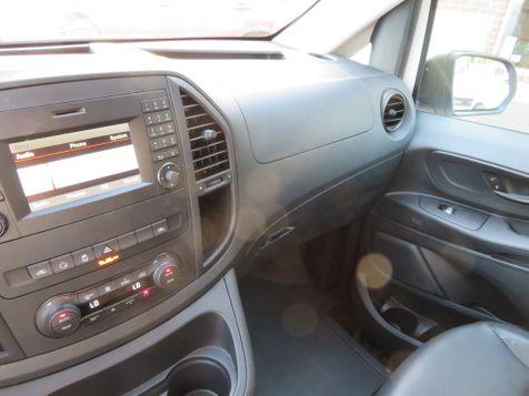 2016 Mercedes-Benz Metris Passenger Van  | Abilene, Texas | Freedom Motors  in Abilene, Texas