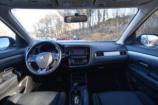 2016 Mitsubishi Outlander SE Naugatuck, Connecticut 12