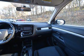 2016 Mitsubishi Outlander SE Naugatuck, Connecticut 13