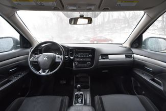 2016 Mitsubishi Outlander ES Naugatuck, Connecticut 9