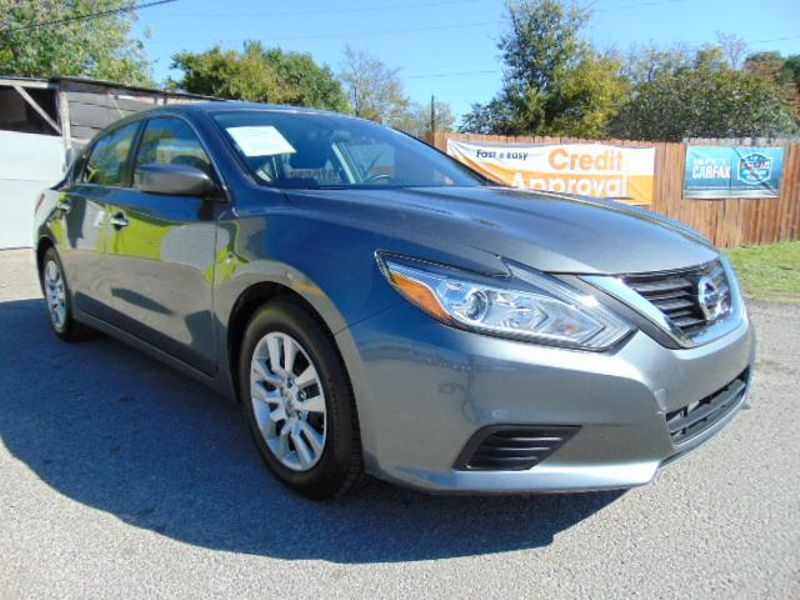 2016 Nissan ALTIMA Low Miles NICE Altima  in Austin, TX