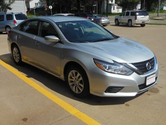2016 Nissan Altima 2.5 S Clinton, Iowa 1