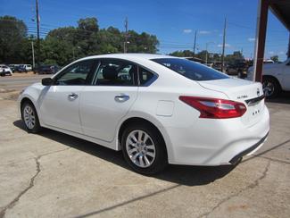 2016 Nissan Altima 2.5 S Houston, Mississippi 4