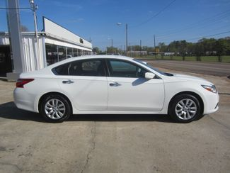 2016 Nissan Altima 2.5 S Houston, Mississippi 3