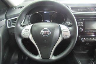 2016 Nissan Rogue SV Chicago, Illinois 10