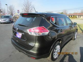 2016 Nissan Rogue S Fremont, Ohio 5