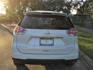 2016 Nissan Rogue SV Miami, Florida 4