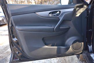 2016 Nissan Rogue SV Naugatuck, Connecticut 12