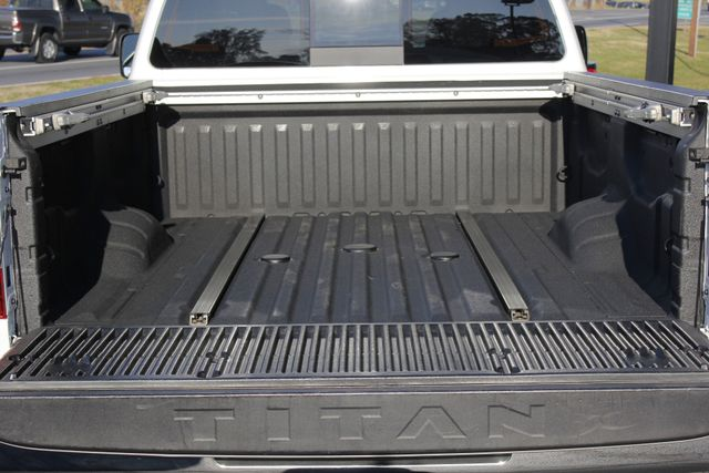 2016 Nissan Titan XD SL Crew Cab 4x4 - CUMMINS DIESEL - EXTRA$! Mooresville , NC 19