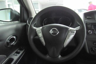 2016 Nissan Versa SV Chicago, Illinois 11