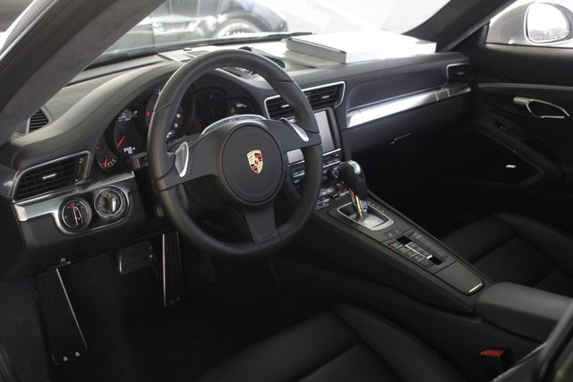 2016 Porsche 911 Carrera 4S AWD -  MSRP $139,315! Mooresville , NC 33