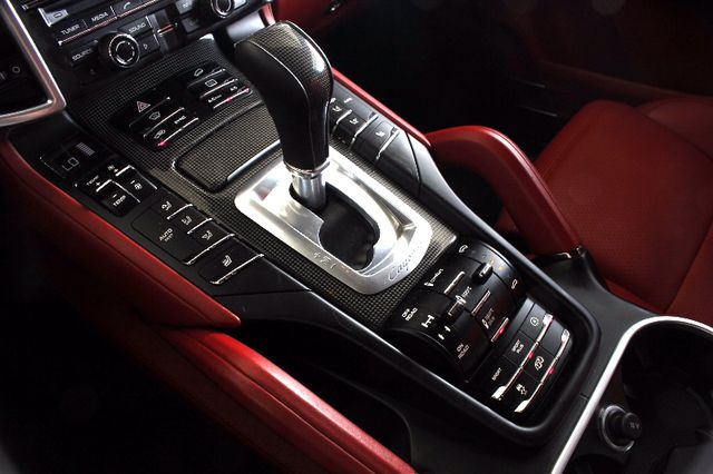 2016 Porsche Cayenne GTS AWD - PREMIUM PKG PLUS! Mooresville , NC 40