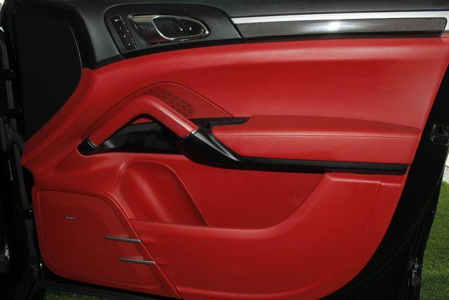 2016 Porsche Cayenne GTS AWD - PREMIUM PKG PLUS! Mooresville , NC 46