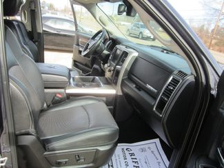 2016 Ram 1500 Eco-Diesel Laramie Crew Cab 4x4 Houston, Mississippi 11