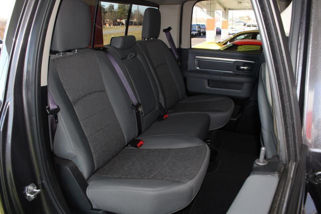 2016 Ram 1500 Big Horn Crew Cab 4x4 - NAV - HEATED BUCKETS! Mooresville , NC 11