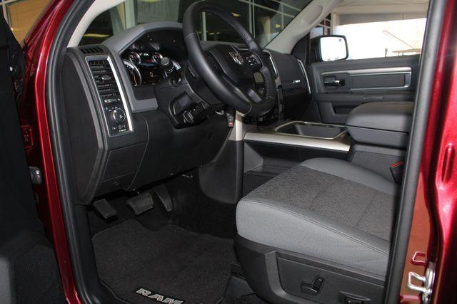2016 Ram 1500 Big Horn Crew Cab 4x4 - HEATED BUCKETS! Mooresville , NC 28