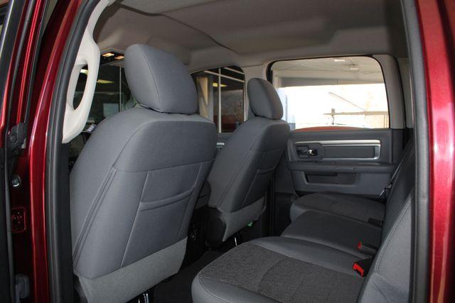 2016 Ram 1500 Big Horn Crew Cab 4x4 - HEATED BUCKETS! Mooresville , NC 40