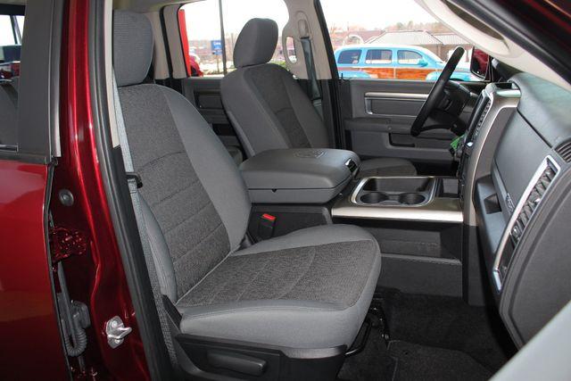 2016 Ram 1500 Big Horn Crew Cab 4x4 - HEATED BUCKETS! Mooresville , NC 11