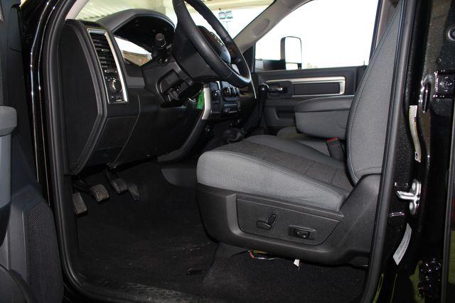 2016 Ram 2500 SLT Mega Cab 4x4 - LIFTED - 6SP MANUAL! Mooresville , NC 40