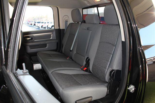 2016 Ram 2500 SLT Mega Cab 4x4 - LIFTED - 6SP MANUAL! Mooresville , NC 12