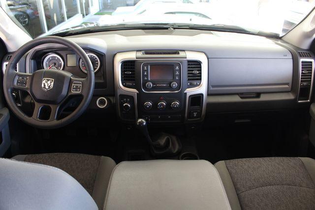 2016 Ram 2500 SLT Mega Cab 4x4 - LIFTED - 6SP MANUAL! Mooresville , NC 42