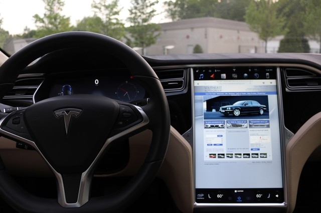 2016 Tesla Model S 85 Mooresville, North Carolina 35