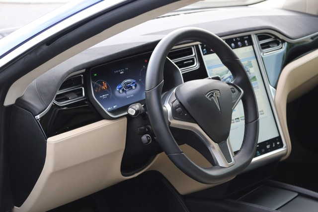 2016 Tesla Model S 85 Mooresville, North Carolina 9
