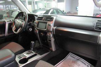 2016 Toyota 4Runner SR5 W/ NAVIGATION SYSTEM/ BACK UP CAM Chicago, Illinois 14