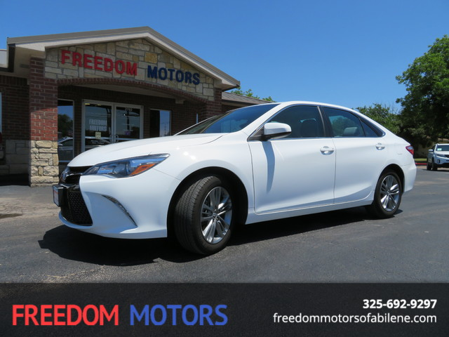 2016 Toyota Camry SE | Abilene, Texas | Freedom Motors  in Abilene Texas