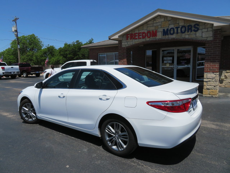2016 Toyota Camry SE | Abilene, Texas | Freedom Motors  in Abilene, Texas
