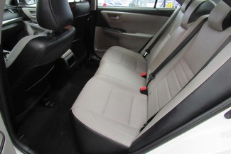 2016 Toyota Camry SE W/ BACK UP CAM Chicago, Illinois 11