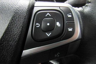 2016 Toyota Camry SE W/ BACK UP CAM Chicago, Illinois 31