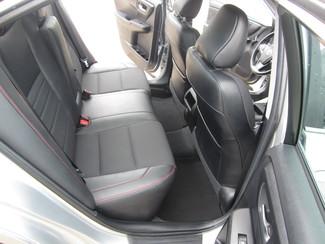 2016 Toyota Camry SE Houston, Mississippi 9