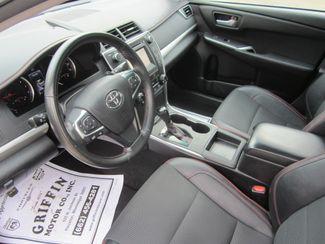 2016 Toyota Camry SE Houston, Mississippi 7
