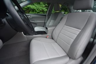2016 Toyota Camry Hybrid LE Naugatuck, Connecticut 19