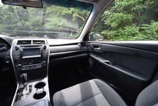 2016 Toyota Camry Hybrid LE Naugatuck, Connecticut 17